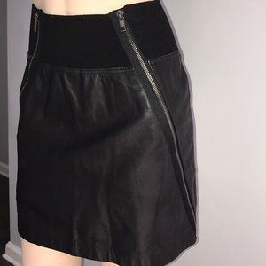 Theory Leather Black Mini Skirt with Zippers sz 4
